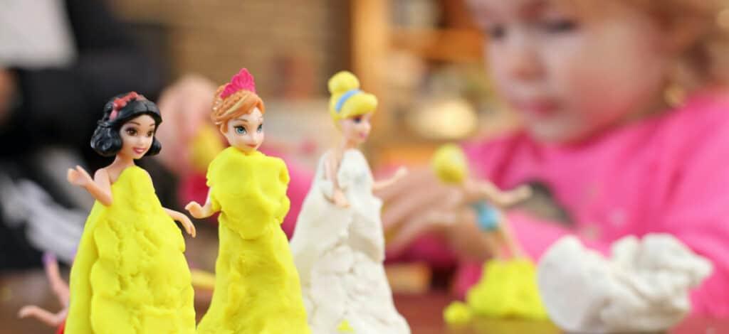 toys that encourage friendship